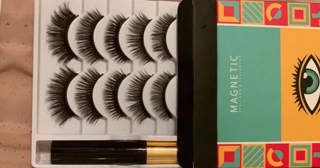 Magnetic Eyelashes 5-Pair Set Only $11.99 on Amazon   Includes Eyeliner